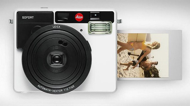 Leica-Unveils-the-Sofort-Its-First-Instant