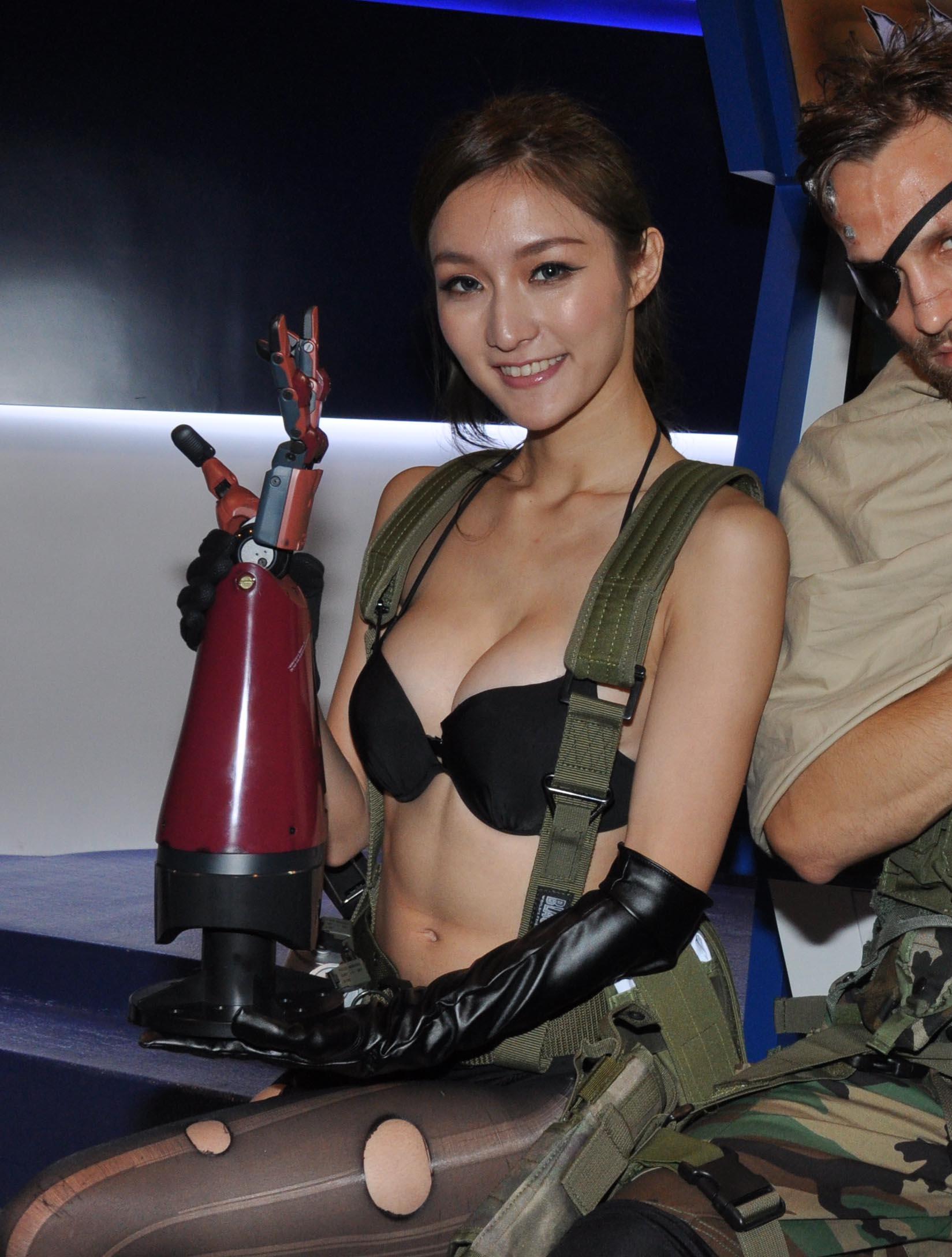 〔動漫節2015攻略 〕全場必睇Showgirl(Part 1)