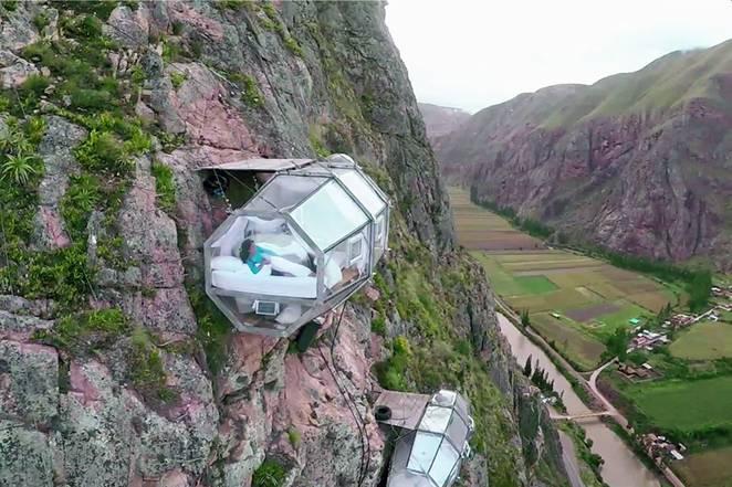 豪歎懸崖吊營   透明度假屋 攀石飛索一次過玩