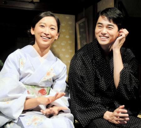 每年新年都公布大事    日本超級名模杏公布懷有雙胞胎