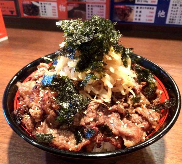 [遊日情報]東京馬拉松補力佳品 |1kg重 炭火燒肉丼 挑戰大胃王