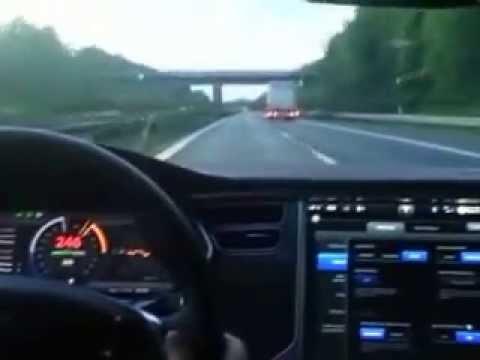 0 至 100km/h 3秒有找 | 德車主實試 250km/h 極速