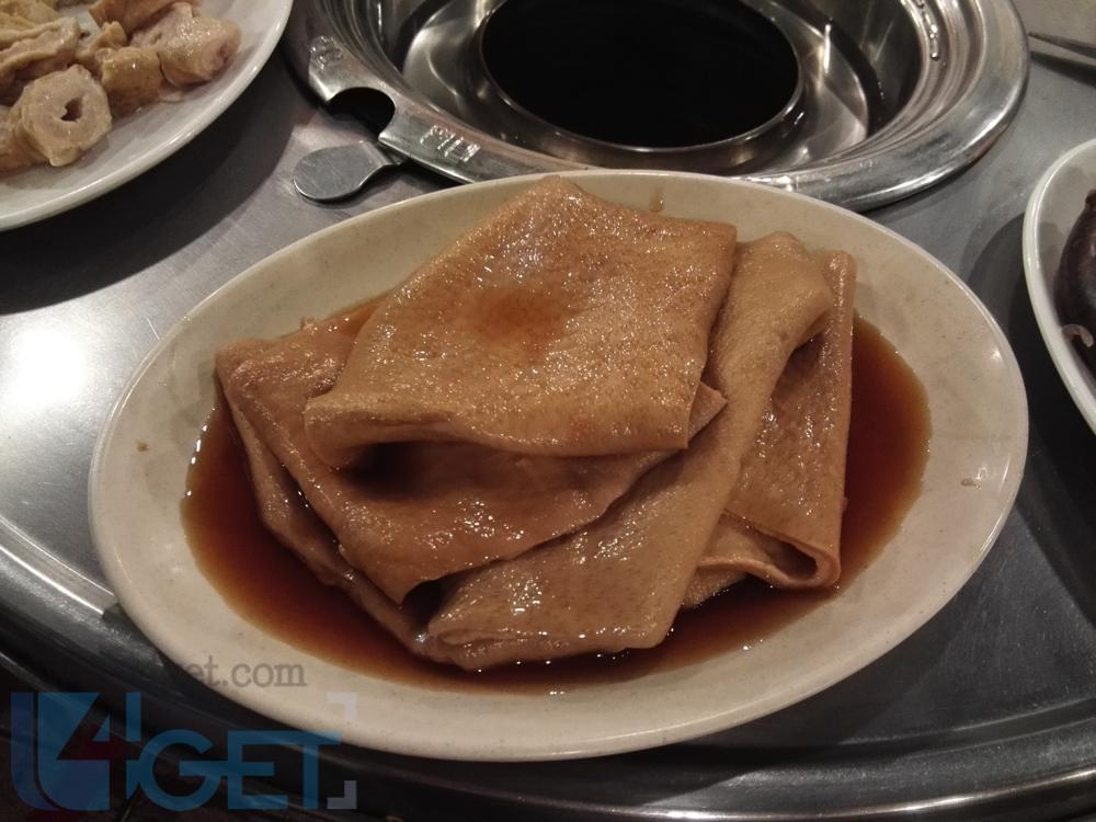 【  金仔韓遊 】走入超平民烤肉店  首爾 平食炭火烤豬皮