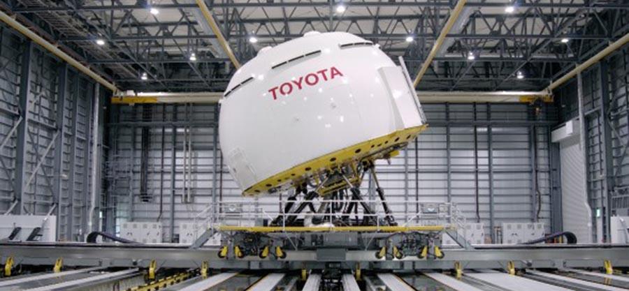 Toyota 測試守護神系統 | 遇險即控制軚盤保命