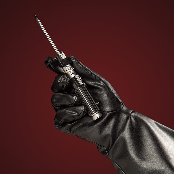 用原力扭螺絲?! 「Star Wars Lightsaber Tool Kit」激光劍造型螺絲批登場