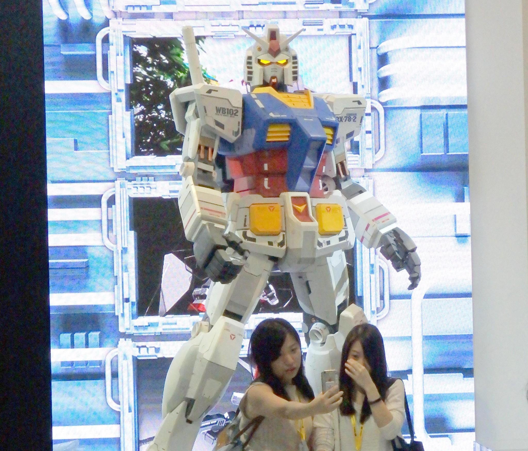 〔 動漫節 2016 〕 Gundam 迷必到 Gunpla EXPO 同大型 Gundam 合照