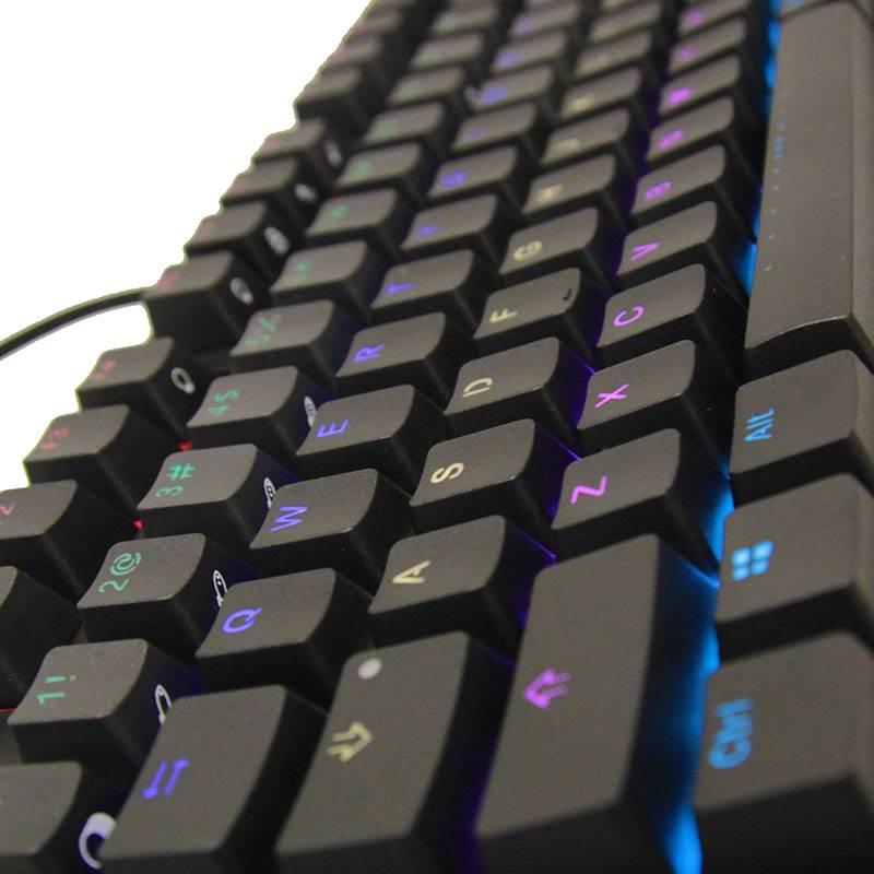 打機打到天昏地暗  背光鍵盤 iKBC F108 RGB 幫到手