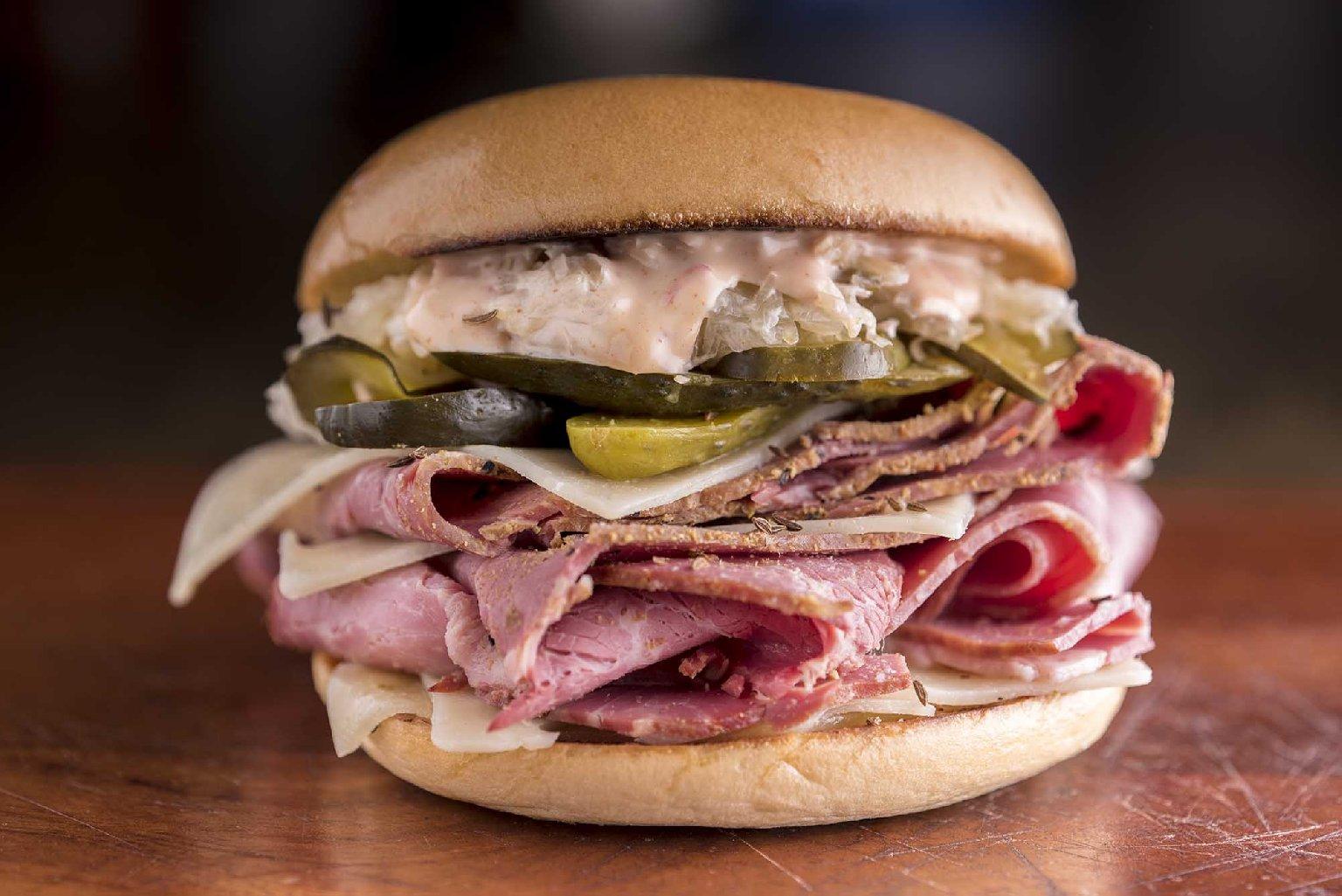漢堡包迷注意!  紐約必食 Reuben Sandwich 殺入香港