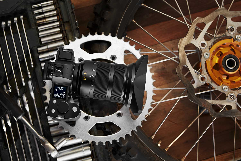 Leica 全新廣角變焦鏡頭現身  影風景最強?