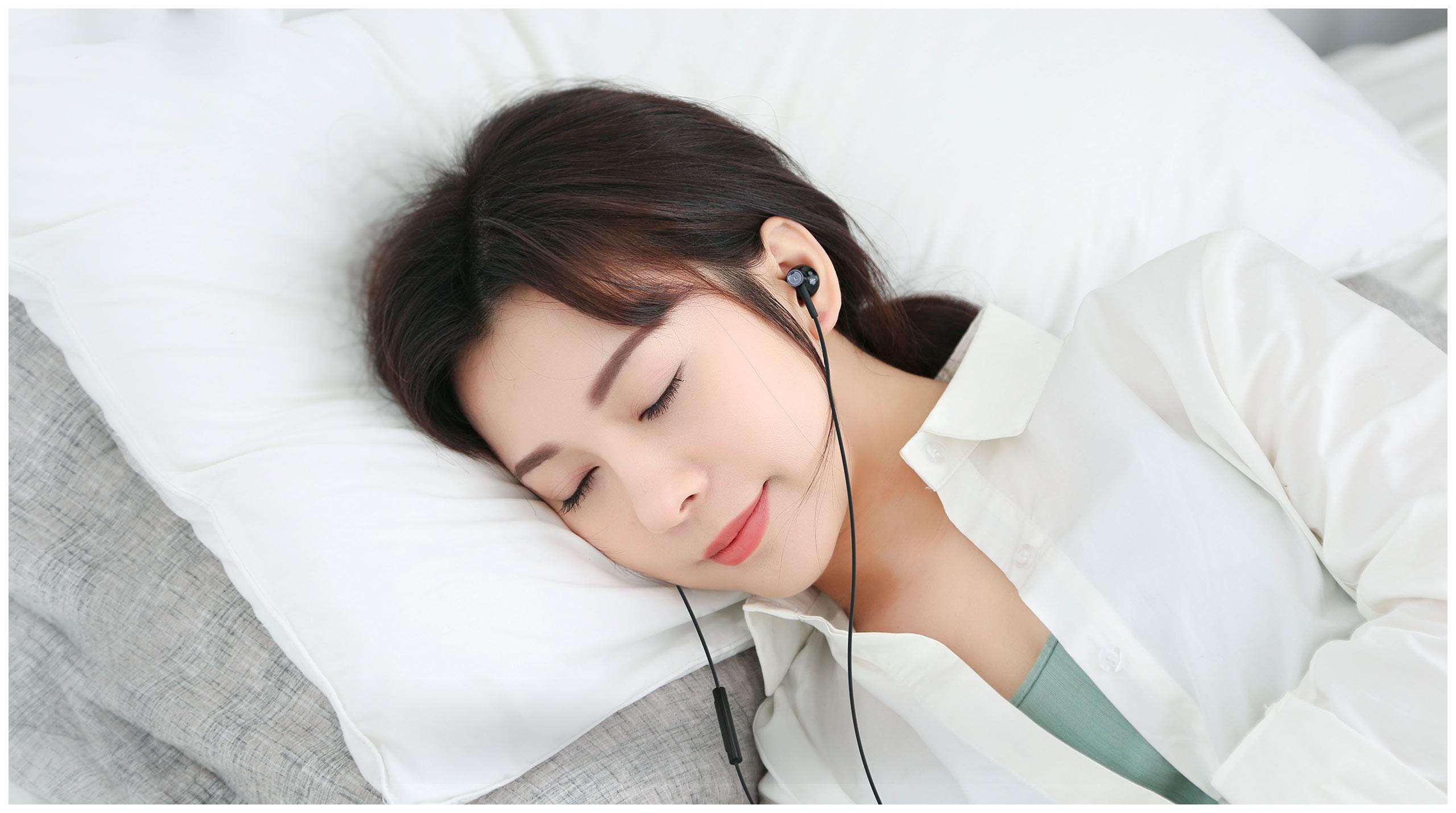 Hi-Res Audio 認證百元以下入手  小米雙單元半入耳式耳機正式開售