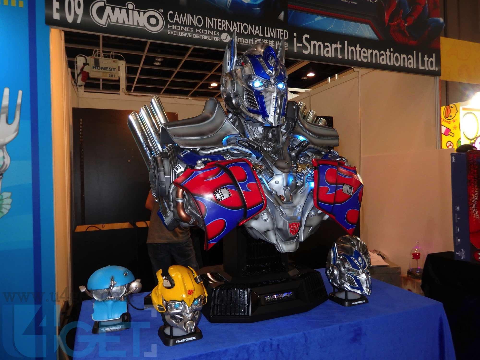 〔 動漫節 2017 〕Camino 全球最大半胸《 Transformers : The Last Knight 》柯柏文喇叭玩身