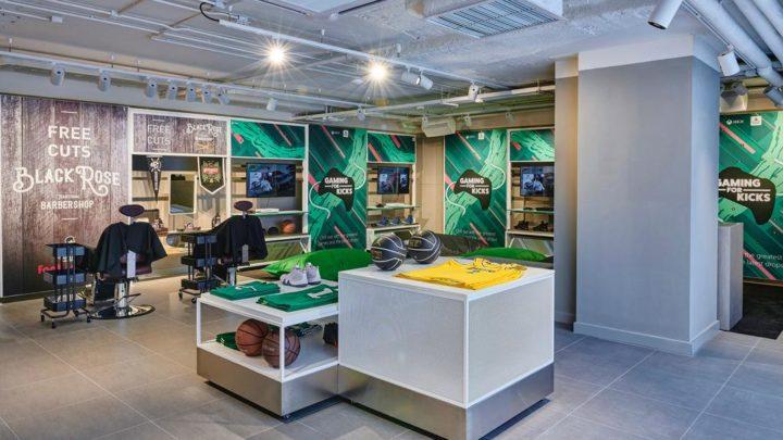 Foot Locker 尖沙咀店開幕  買運動用品兼試玩 Xbox 運動 Games