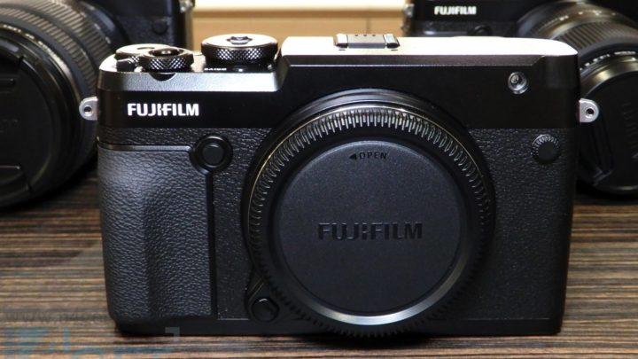 輕到似全片幅單反  全新 FUJIFILM GFX 50R 中片幅相機現身