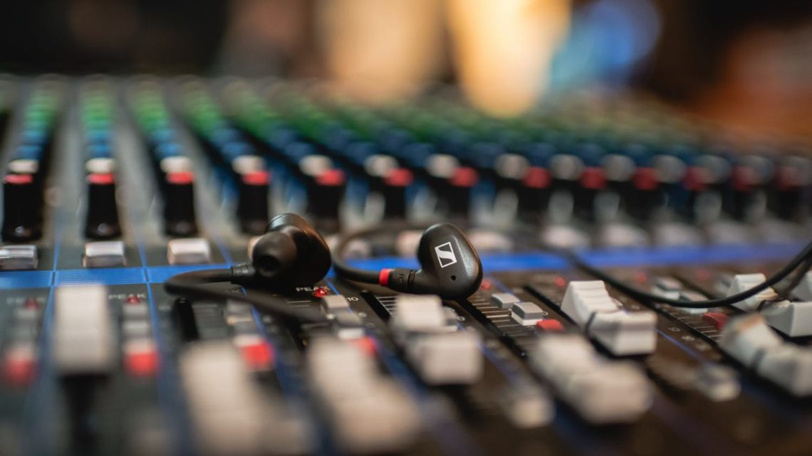 入門級入耳式監聽耳機  Sennheiser IE 40 PRO 率先試聽