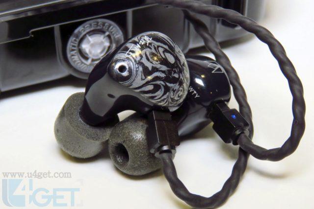 業界首對「壓電、動鐵、動圈」入耳式耳機 NOBLE Khan 混合單元最強靚聲