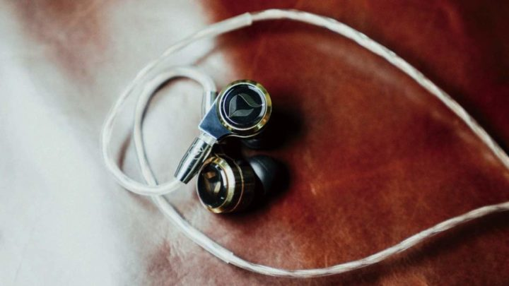集結最強工藝  DITA DREAM XLS 集鍍金、藍寶石玻璃、鈦金屬於一身