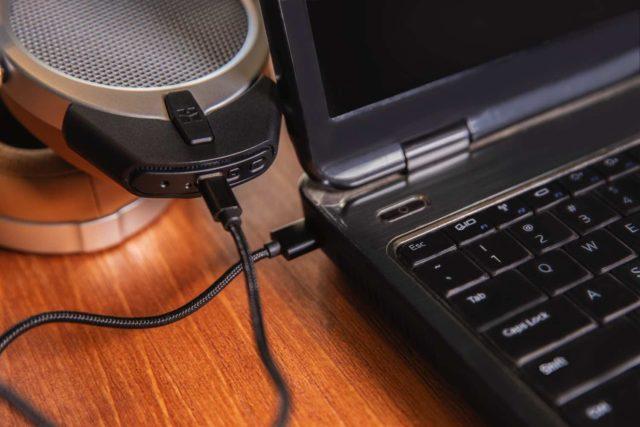 享受 USB DAC 的無線播放  HIFIMAN DEVA 振膜平板無線耳機