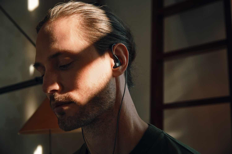 Sennheiser IE 300 入耳式耳機  7 毫米超寬廣音頻換能器升級