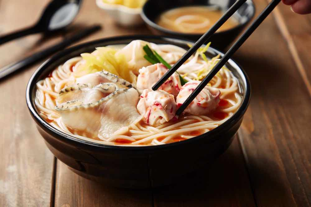 譚仔三哥米線夏日賞  限定推出煳麻湯三餸米線超值優惠