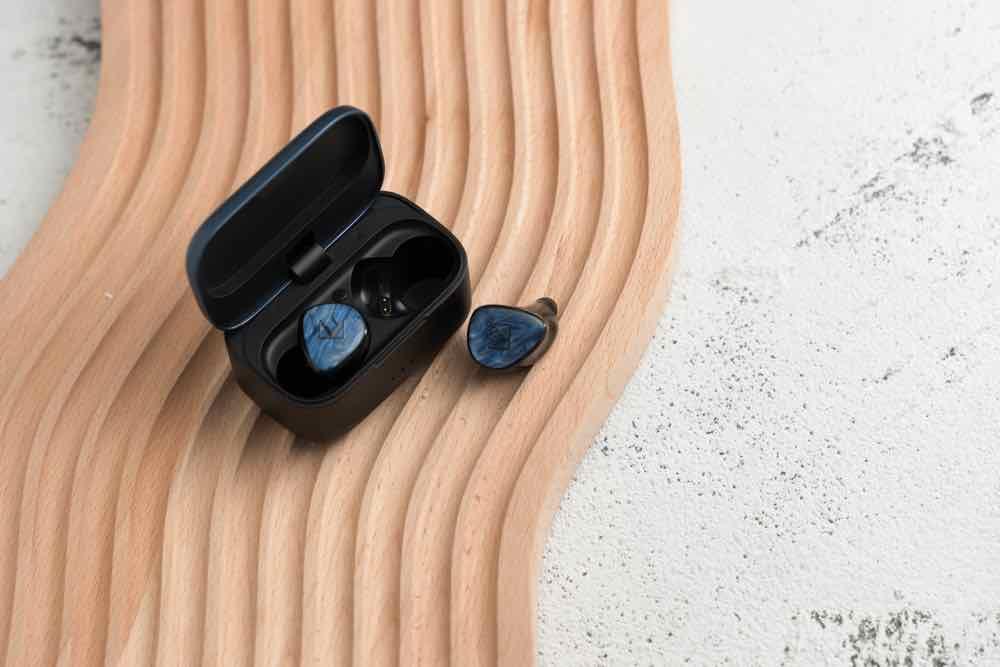 Noble Audio FoKus PRO 發燒級音質藍牙耳機 混合單元賣 HK$2,780