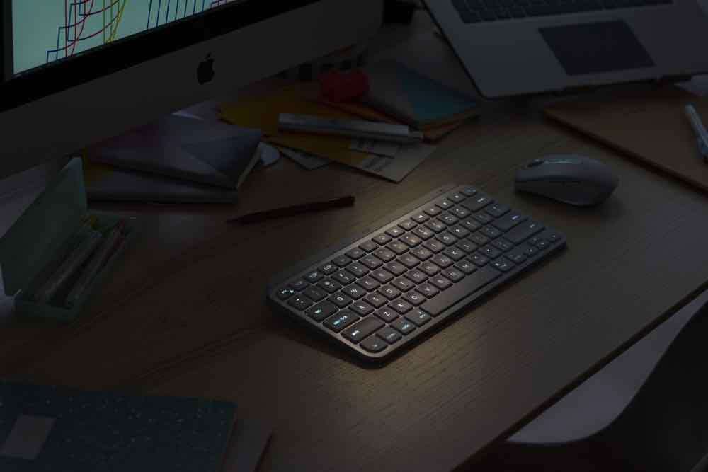 Logitech MX Keys Mini 智能無線鍵盤  更精巧、更智能、專為創作者而設