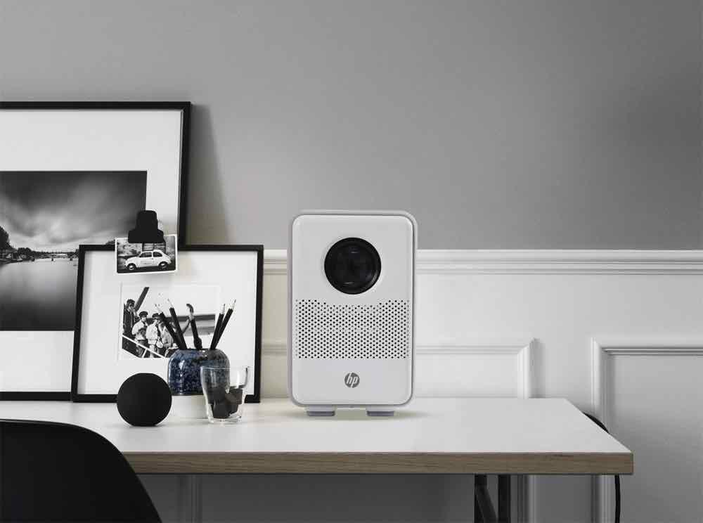 HP CC200 小型家用投影機 超級早鳥優惠細空間睇大影像